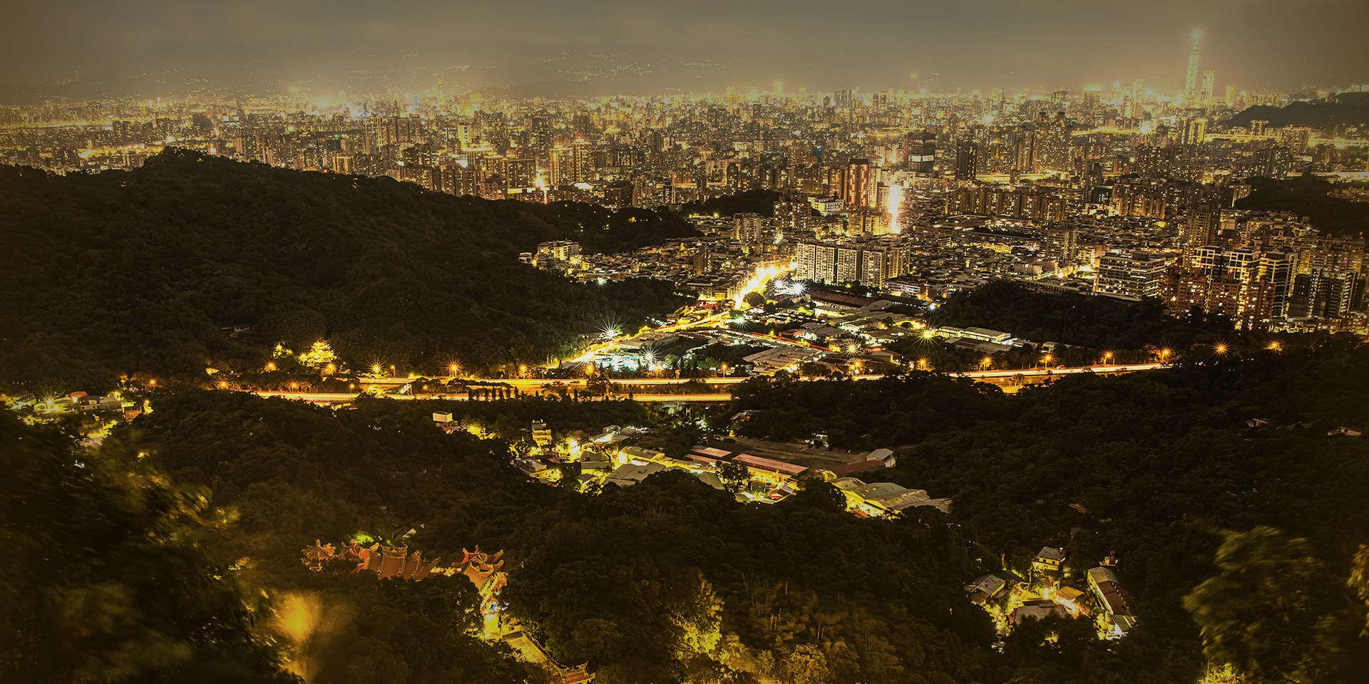 Night visit to Hongludi